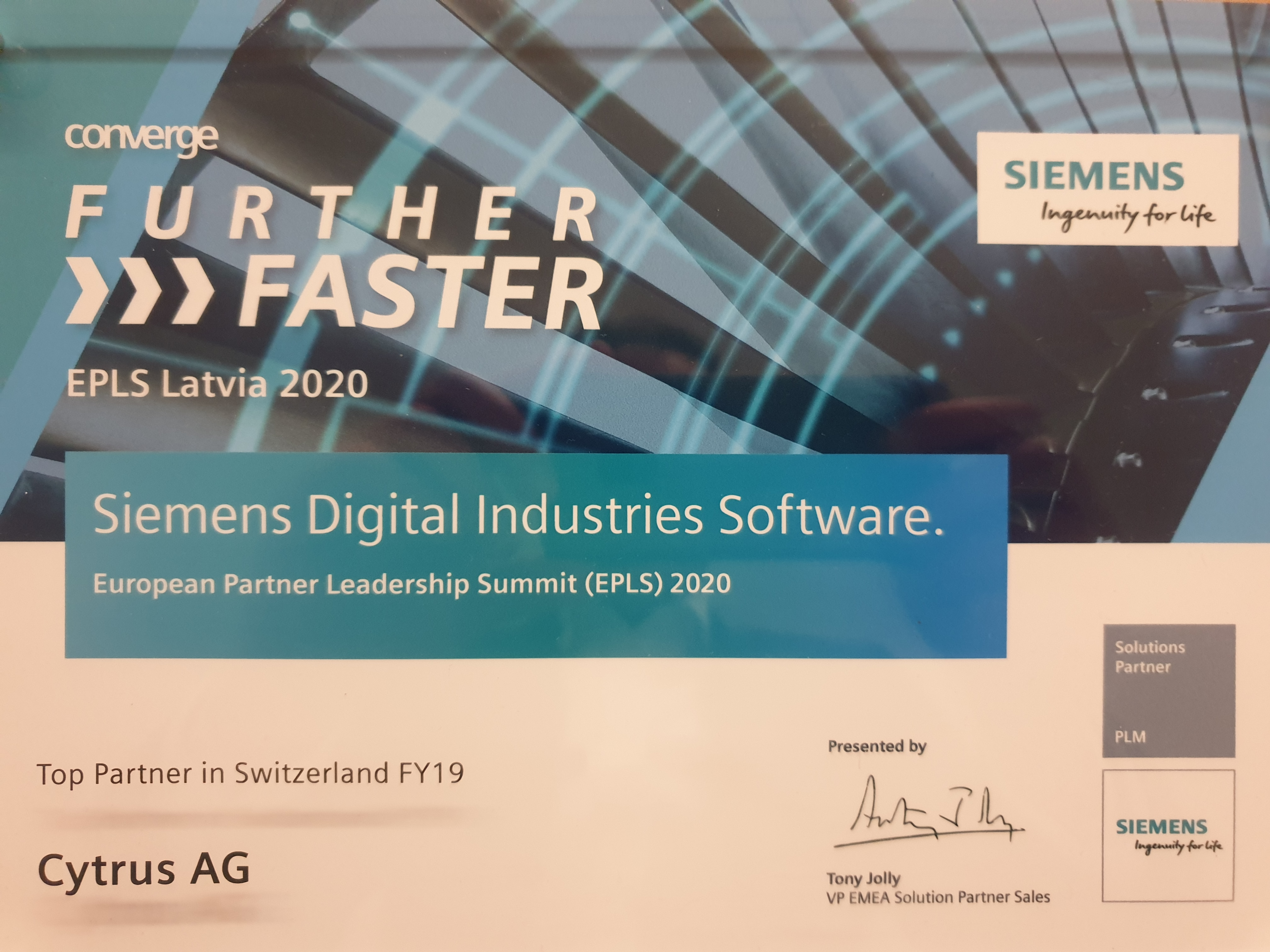 Siemens Awards Top Partner in Switzerland | Cytrus Ag | Freshness in PLM