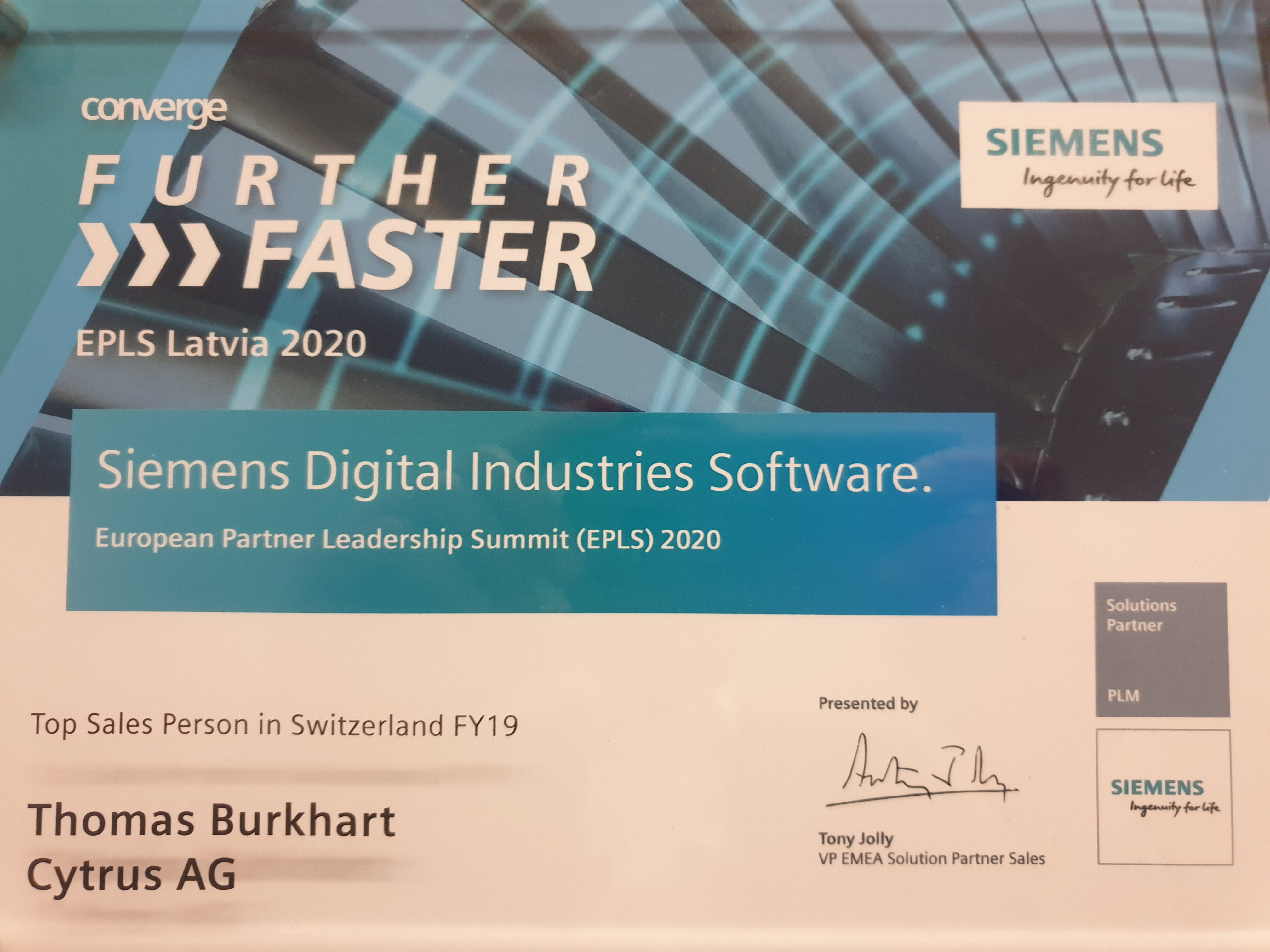 Siemens Awards Top Sales in Switzerland | Cytrus Ag | Freshness in PLM